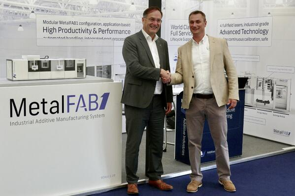 Additive Industries and LPW sign partnership agreement during Farnborough show